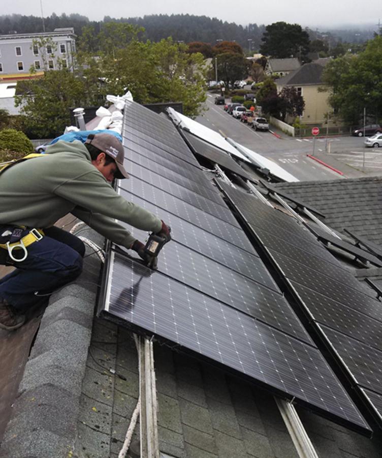 daniel-working-on-commercial-solar